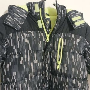 Xersion Jackets & Coats - Xersion Neon Puffer Jacket